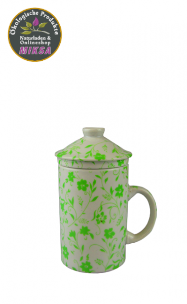 Kräuterteebecher mit Blumen grün