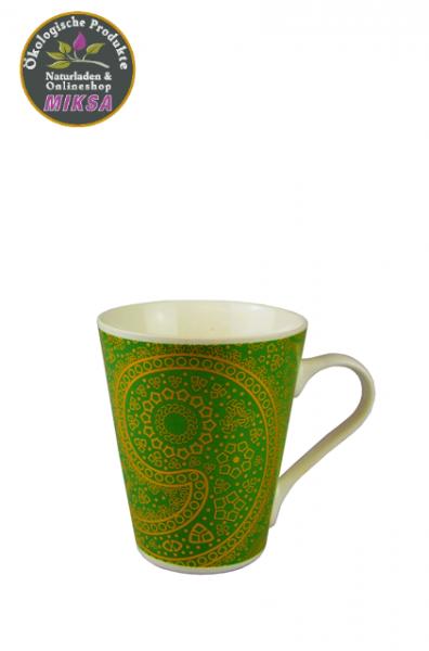 Becher aus Keramik grün